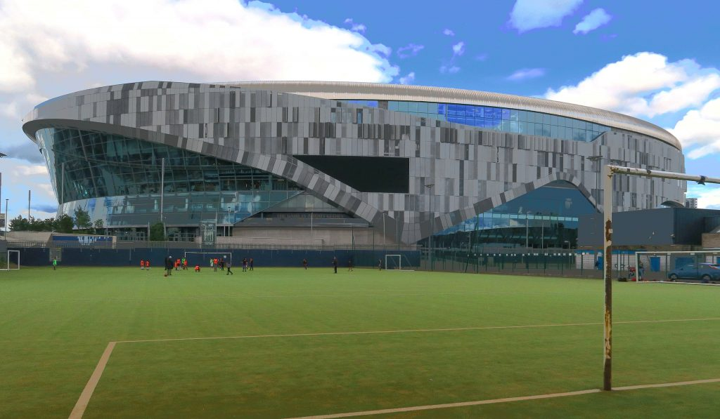 2560px-Tottenham_Hotspur_Stadium_June_2019,_view_from_East