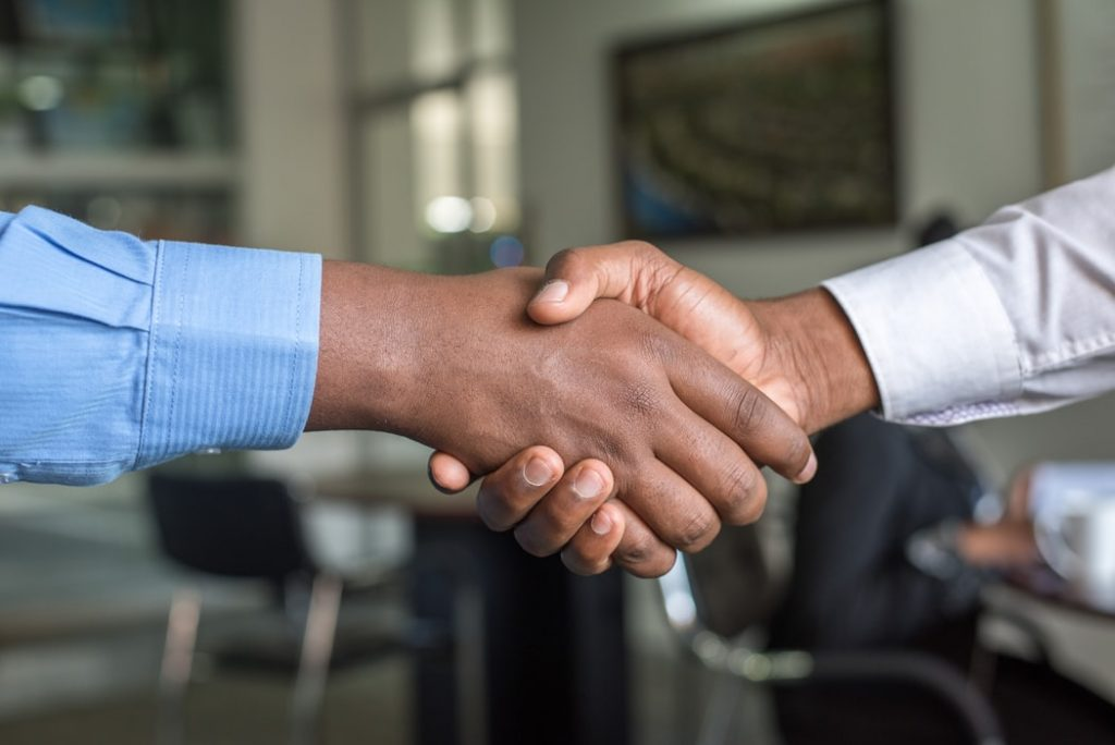 4 Tips for Making a Positive First Impression 4