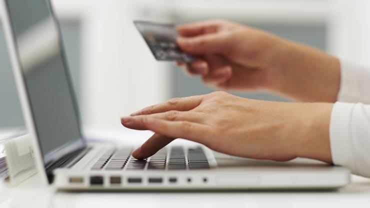 5-credit-card-hacks-could-save-you-thousands-say-get-com-experts