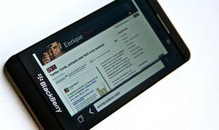 799px-BlackBerry_Z10-680x509