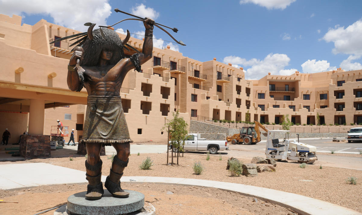 BTHUNDER/EDDIE MOORE/JOURNAL/JNORTH/DAILY/7-23-08 A bronze sculpture by Pojoaque Governor George Rivera outside the Buffalo Thunder Resort. The resort is scheduled to open in August.
