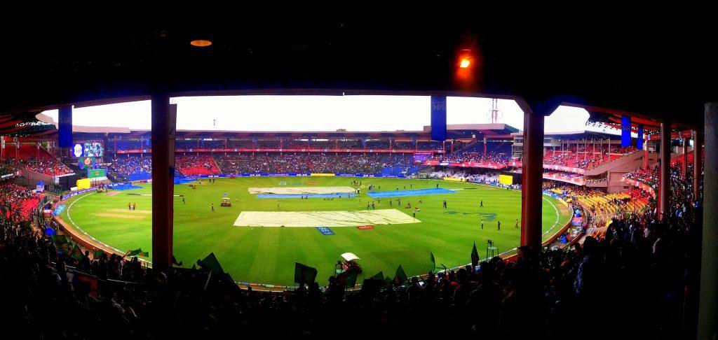 Chinnaswamy_Stadium_MI_vs_RCB