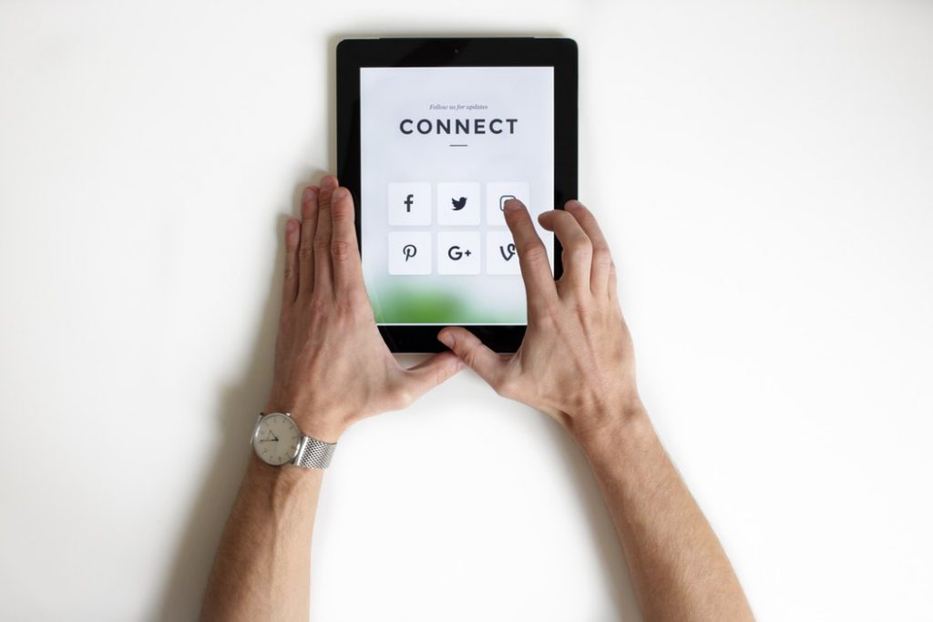 How to Evaluate a Social Media Service for Your Business 11