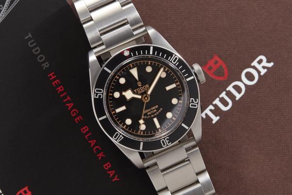 Tudor_Black_Bay_Black_watch-design-fashion
