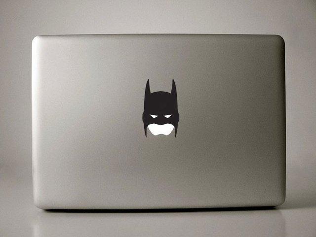batman-macbook-pro-sticker