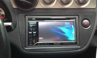 double-din-head-units-car-stereo-buyers-guide-tech (1)