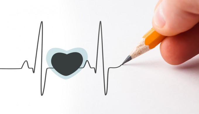 drawn-heart-with-a-beats-line