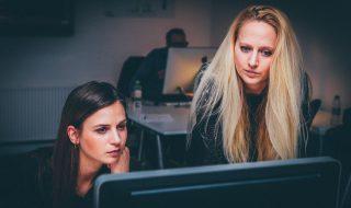 girl-boss-career-lifehacks-tips-business-owner