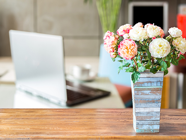 4 Ways to Make Your Office Feel Like Home