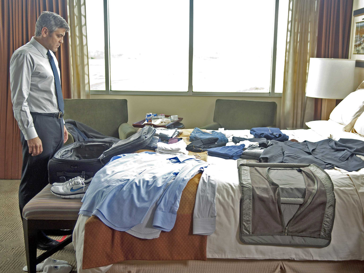 packing-business-trip-basics-tips-travel