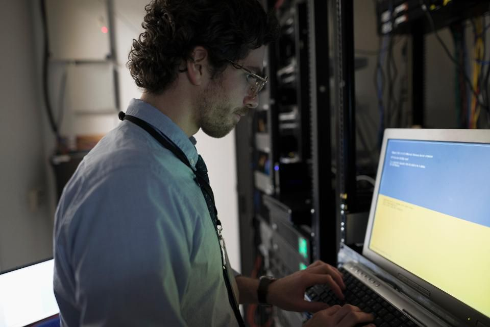 six-simple-cybersecurity-tips-for-your-small-business