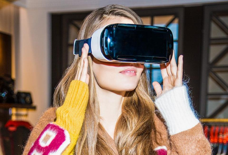 virtual-reality-coming-soon-to-a-clothing-store-near-you