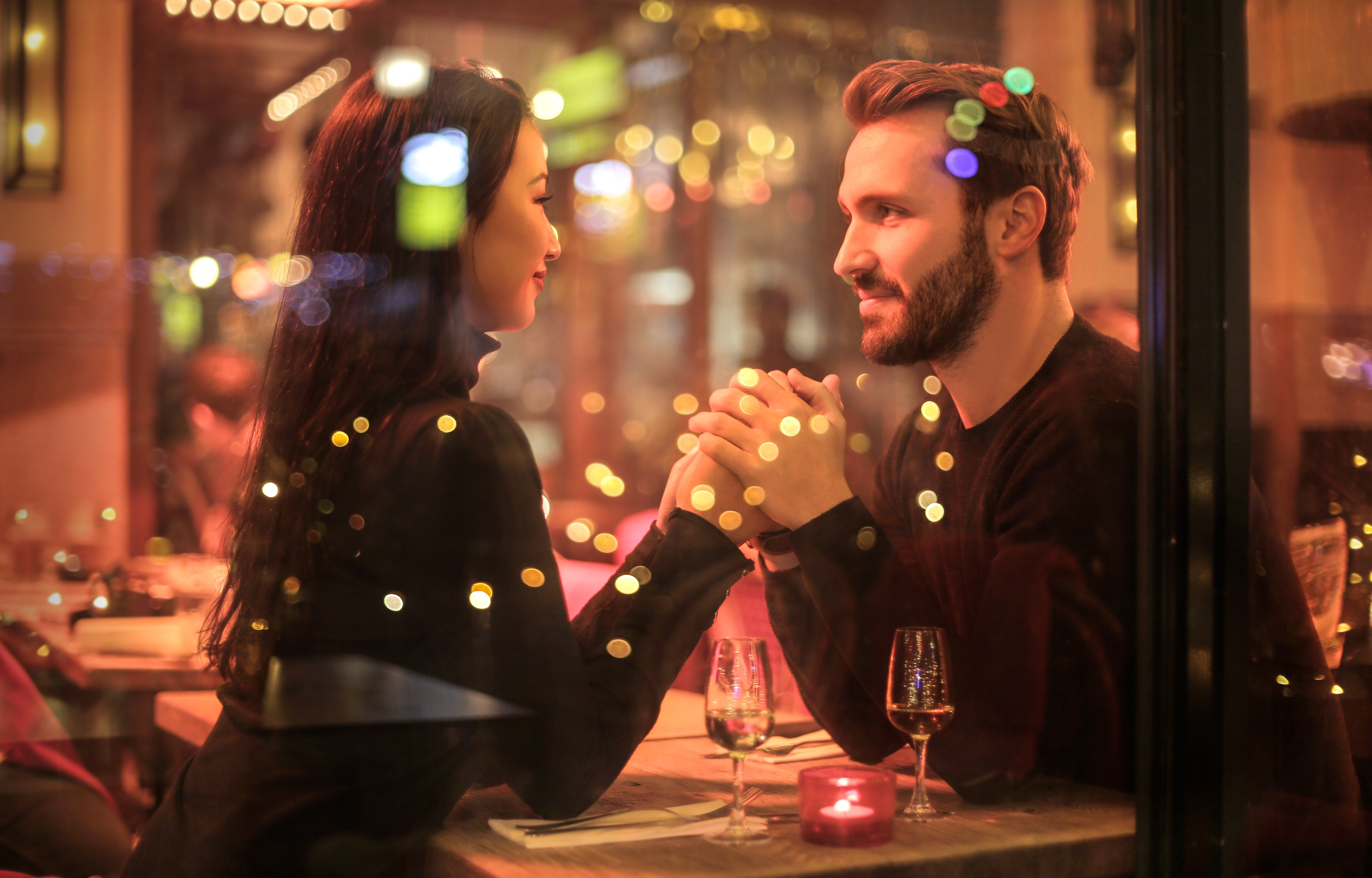 How to Behave On Your First Date 7