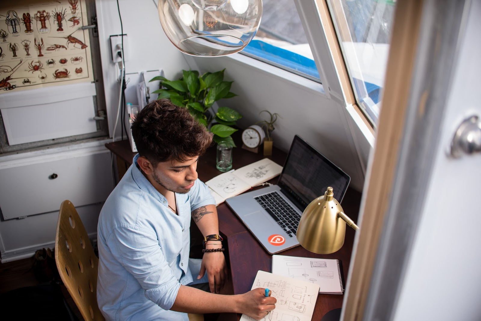 How to Kickstart Your Freelance Career When You Have a Full-time Job