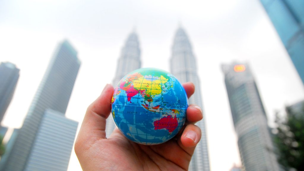 Outsourcing: When Does It Make Sense For Your Business?