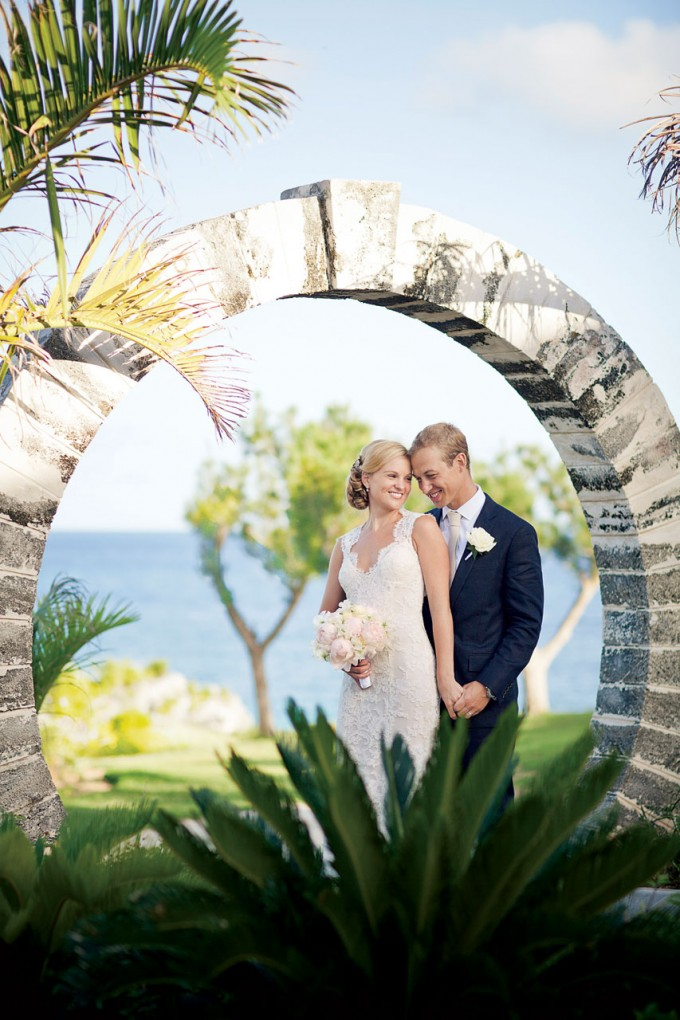 beach-wedding-bride-groom_0