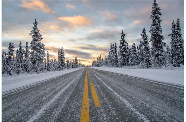 cars-trucks-driving-in-snow-tips-for-staying-safe