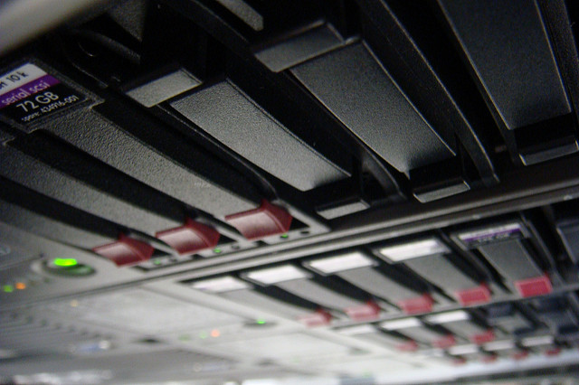 cloud-server-modern-business-digital-tech