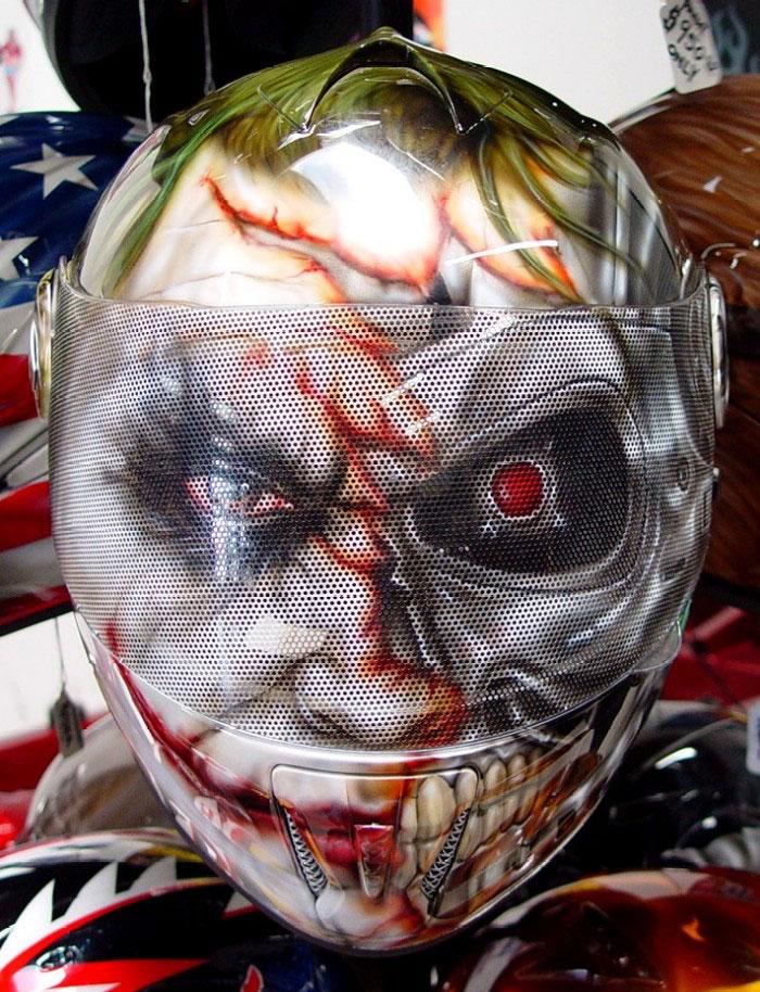 custom_painted_helmets_joker