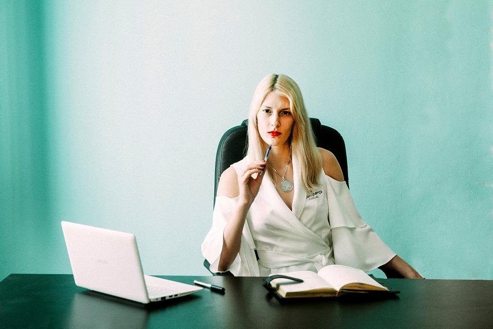 freelance-business-personal-branding-women