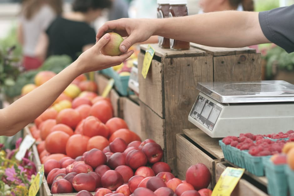 host-local-market-events-for-your-community-business-to-thrive-tips