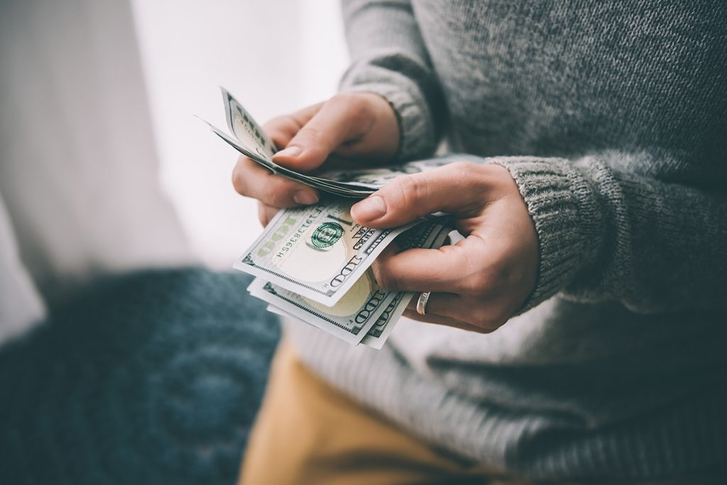 how-to-maintain-a-healthy-cash-flow-when-your-business-is-small