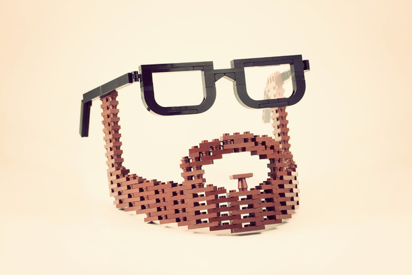 lego-beard-glasses-amazing-toy-photographer