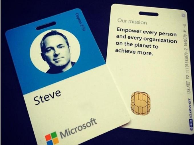 microsoft-employee-badge_story_design