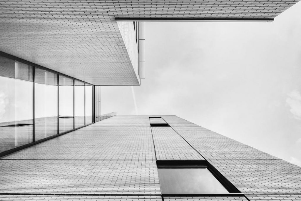 minimal-black-and-white-office-architecture