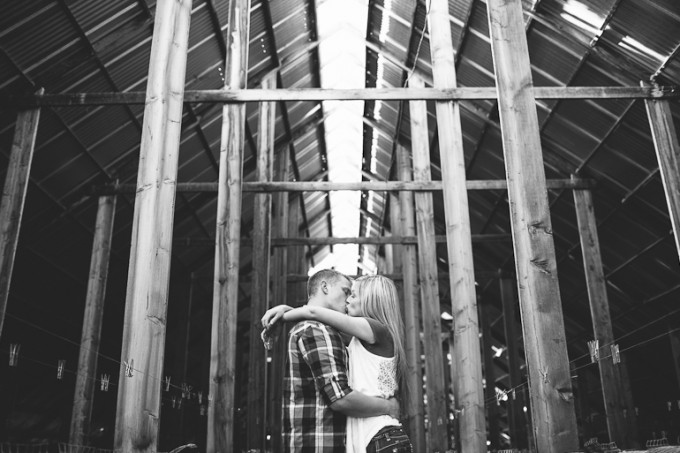 steel-building-grunge-engagement-photo-look-ideas