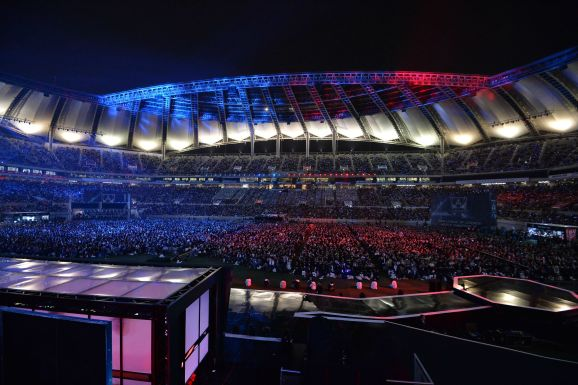 survey-says-e-sports-fans-attend-live-events-for-the-community-and-atmosphere