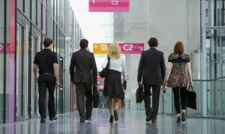 the-basic-trade-show-booth-etiquette-rules-for-staff