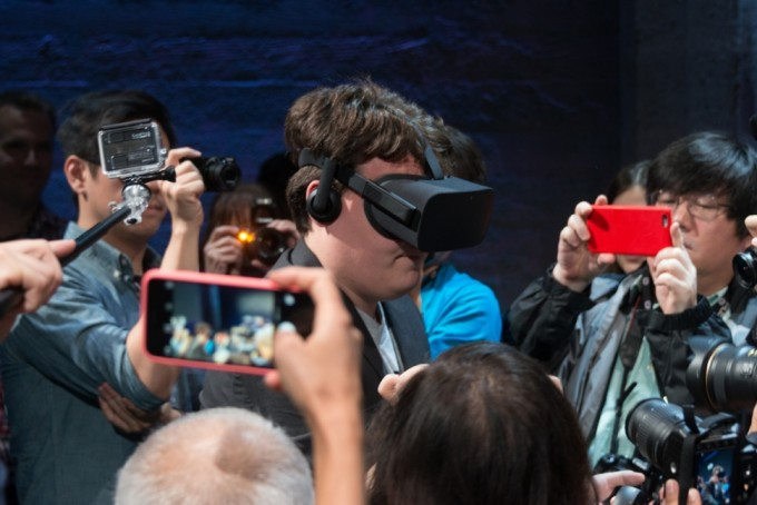 the-year-of-vr-crazy-mobile-trends