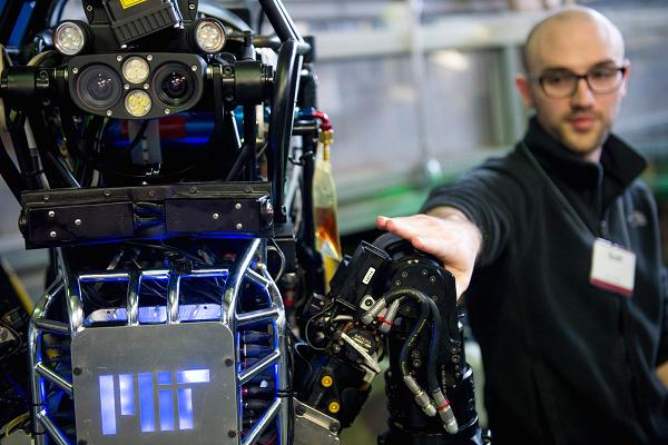 these-college-majors-are-the-most-robot-resistant