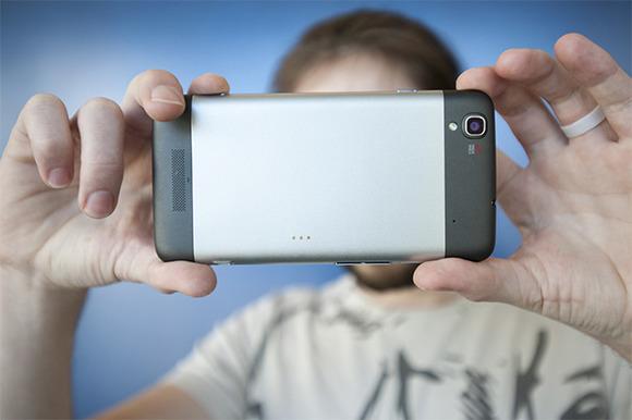 why-smartphone-screens-getting-bigger