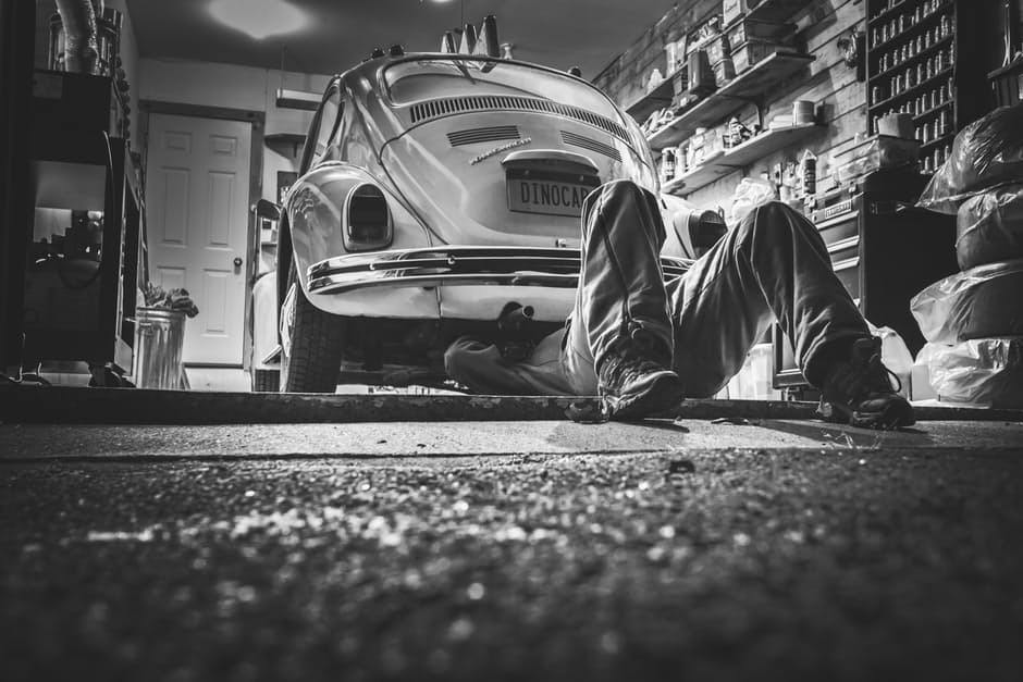 working-on-vw-bug-auto-shop-business-tips