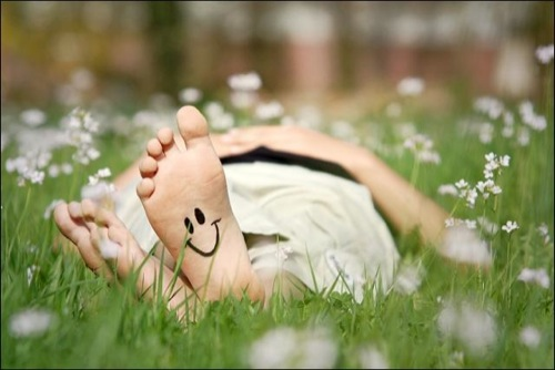 Smiley feet